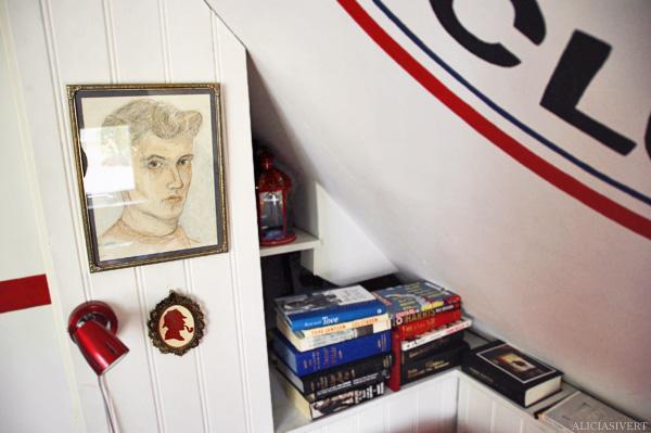 aliciasivert alicia sivertsson painting illustration frame picture man grandfather books sherlock holmes book morfar grandpa morfar self portrait självporträtt 1950 målning teckning ram bild