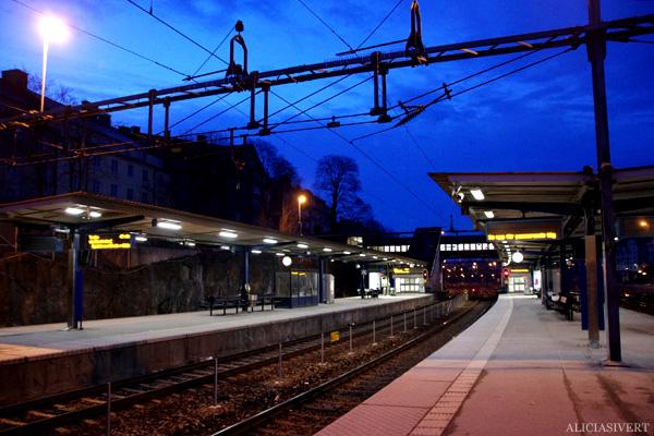 aliciasivert, alicia sivertsson, karlberg, train station, pendeltåg, tågstation