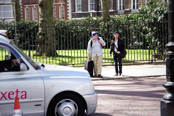 aliciasivert, alicia sivertsson, london, england, look right