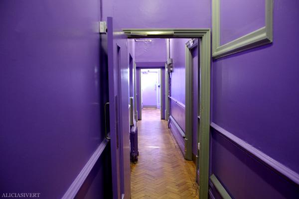 aliciasivert, alicia sivertsson, london med grabbarna, england, clink 78, hostel, purple hallway, lila korridor