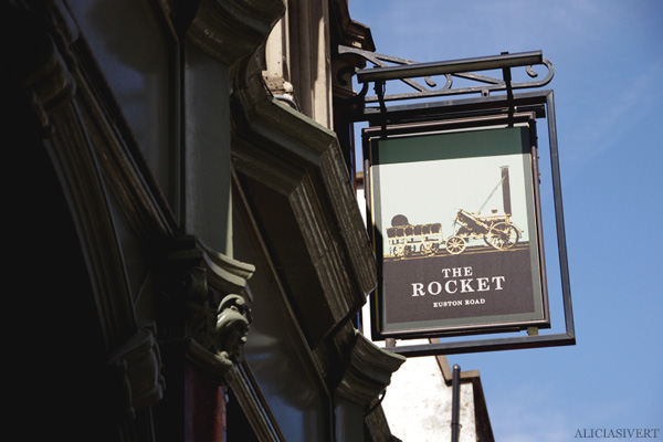 aliciasivert, alicia sivertsson, london med grabbarna, england, the rocket, pub