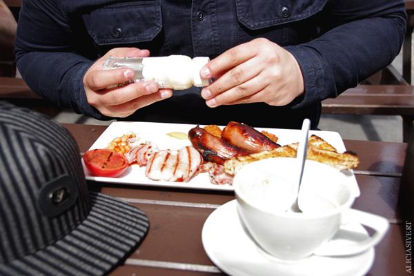aliciasivert, alicia sivertsson, london med grabbarna, england, the rocket, pub, english breakfast
