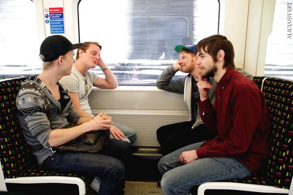 aliciasivert, alicia sivertsson, london med grabbarna, england, tube, london underground, tunnelbana