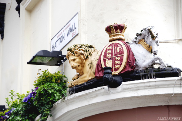 aliciasivert, alicia sivertsson, london med grabbarna, england, farringdon, horse, lion, häst, lejon