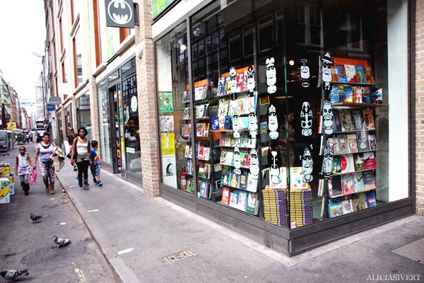 aliciasivert, alicia sivertsson, london med grabbarna, england, batman, comics, serier, serietidningar, magazines