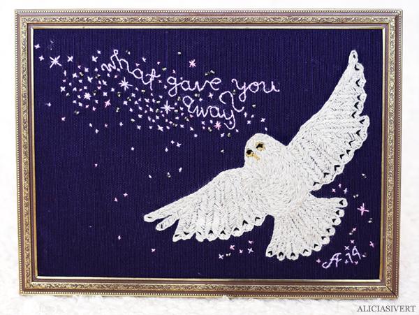 aliciasivert, alicia sivert, alicia sivertsson, embroidery, needlework, stitch, stitching, hedwig, harry potter, what gave you away?, owl, sky, stars, beads, uggla, himmel, stjärnor, pärlor, broderi, hantverk, handicraft, craft, remake, upcycle, begagnat garn, yarn, harry potter och dödsrelikerna, and the deathly hallows