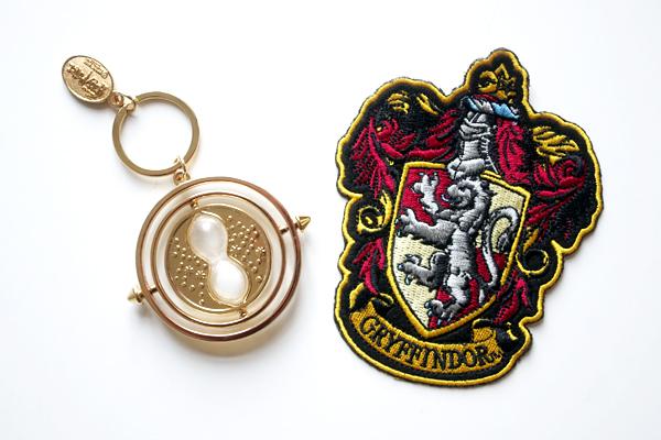 time turner, tidvändare, harry potter, gryffindor, crest, emblem, hogwarts