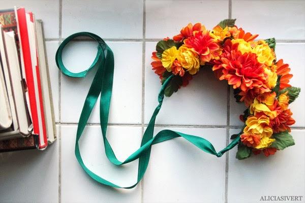aliciasivert, alicia sivertsson, harry potter halloween party, fest, costume, maskerad, utklädd, utklädnad, den tjocka damen, the fat lady, gryffindor, hogwarts, diy, do it yourself, flower crown, krona, huvudbonad, blommor, flowers