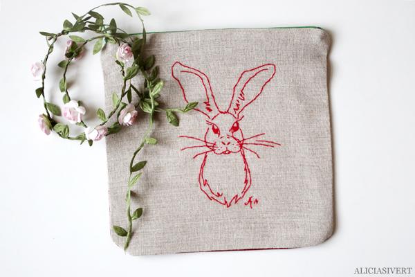 aliciasivert, alicia sivert, alicia sivertsson, saksamlarpåse, broderi, hantverk, handarbete, textil, återburk, embroidery, needlework, handicraft, craft, kanin, hare, rabbit, bunny