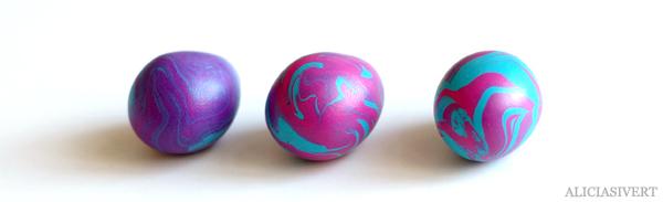 aliciasivert, alicia sivert, alicia sivertsson, diy, marmorera ägg, marble eggs, easter egg, påskägg, lera, fimolera, cernitlera, cernit, polymer, polymerlera, fimolera, clay, skruvöglor, guldtråd, blanda egna färger, ny färg, påsk, påskadvent