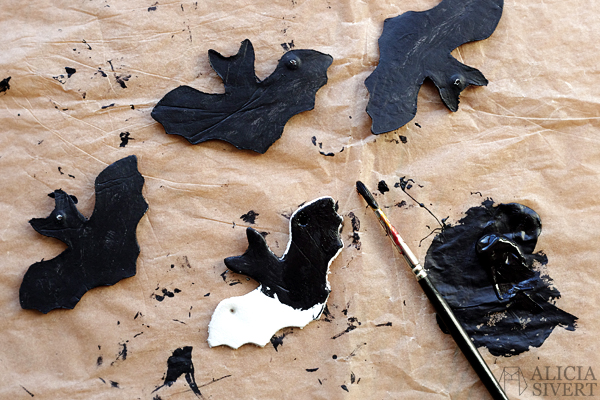 DIY air drying clay bats for Halloween, tutorial by Alicia Sivertsson, 2015. Alicia Sivert, aliciasivert, skapa, skapande, fladdermöss, fladdermus, bat, lufttorkande lera, das pronto, kreativitet