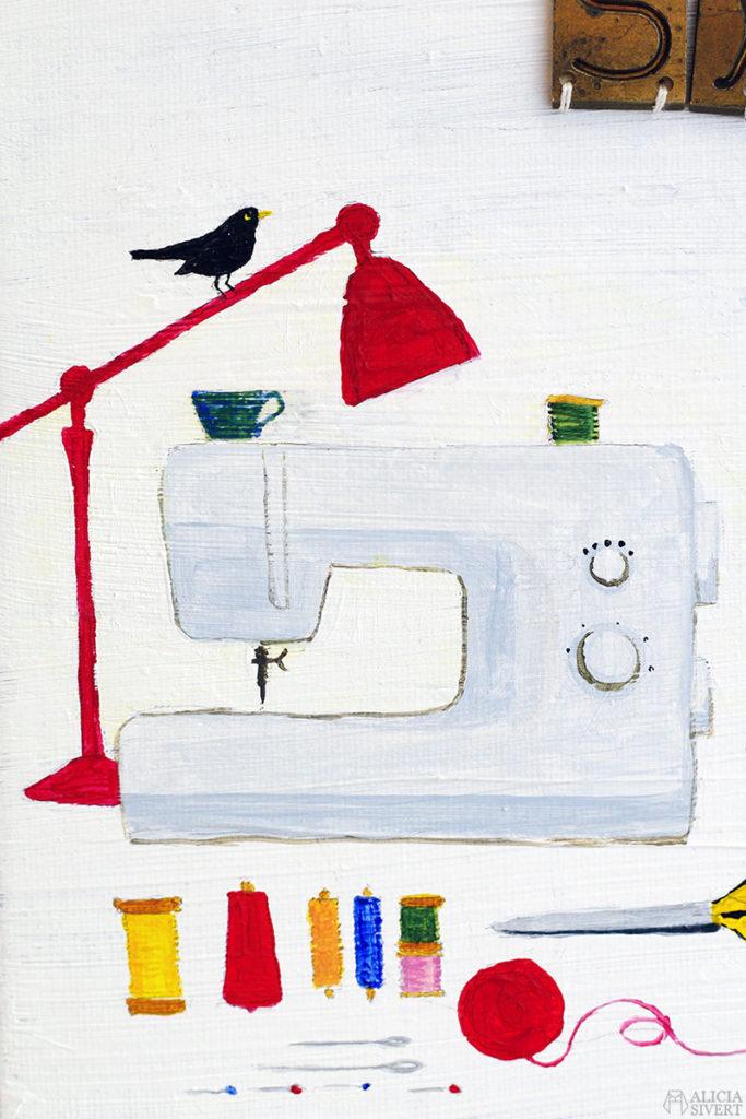 """""""Sy + så"""" (Swedish for sew + sow), mixed media painting by Alicia Sivertsson for Monthly Makers alicia sivert aliciasivert skapa skapande kreativitet utmaning bloggutmaning create creativity craft handicraft painting acrylic acrylics måla målning paint akryl akylmålning blandteknik assemblage broderi på målning duk rödhake koltrast robin blackbird watercan vattenkanna flower pot blomkrukor blomkruka rosenbuska rose bush sewing machine symaskin garn trådrullar bobbin yarn bokstäver och ord september 2016"""