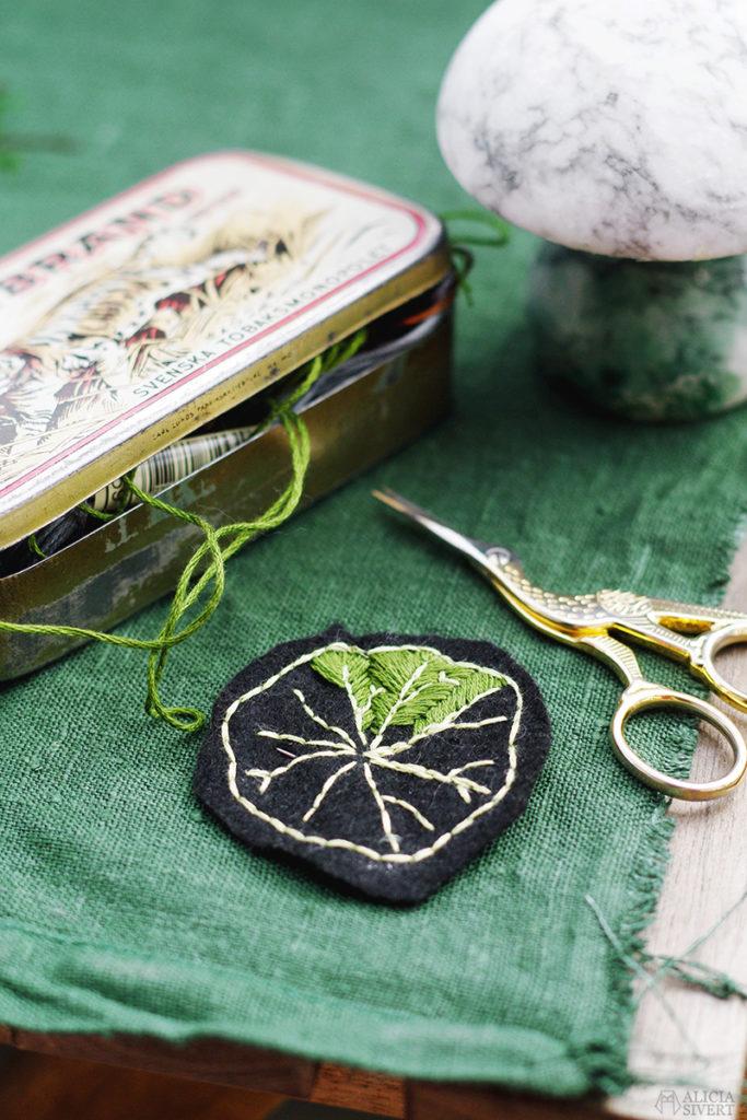 bladbrosch broderi brosch blad växtgäris brodera växter skapa skapande kreativitet hantverk textil textilkonst pin pins badge brosch broscher brooch brooches