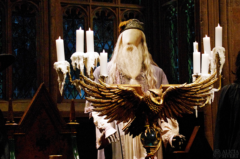 aliciasivert alicia sivert sivertsson harry potter hogwarts leavesden london england warner brothers studio tour the making of gryffindor slytherin hufflepuff ravenclaw film films movie movies the great hall den stora salen lärarna lärare teatchers albus dumbledore owl podium ugglepodium