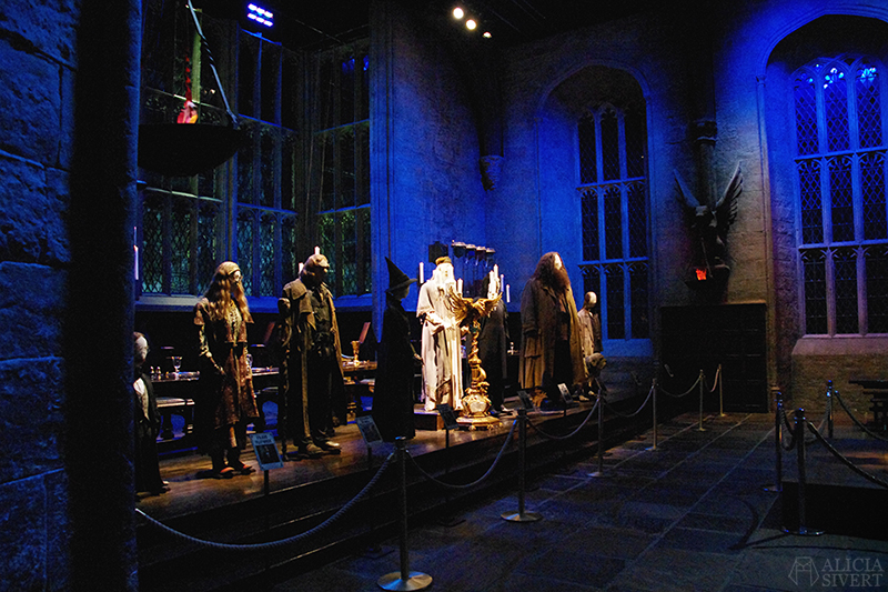 aliciasivert alicia sivert sivertsson harry potter hogwarts leavesden london england warner brothers studio tour the making of gryffindor slytherin hufflepuff ravenclaw film films movie movies the great hall den stora salen lärarna lärare teatchers