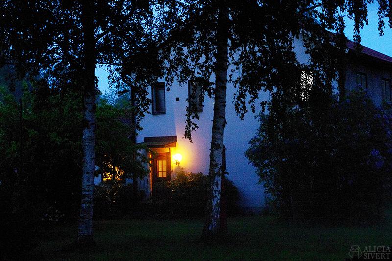 uttersberg dimma fog dusk skymning sommarkväll sommarnatt
