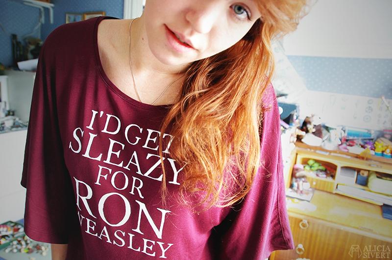 aliciasivert alicia sivert sivertsson harry potter fan art fanart i'd get sleazy for ron weasley t-shirt shirt diy hand painted hand drawn
