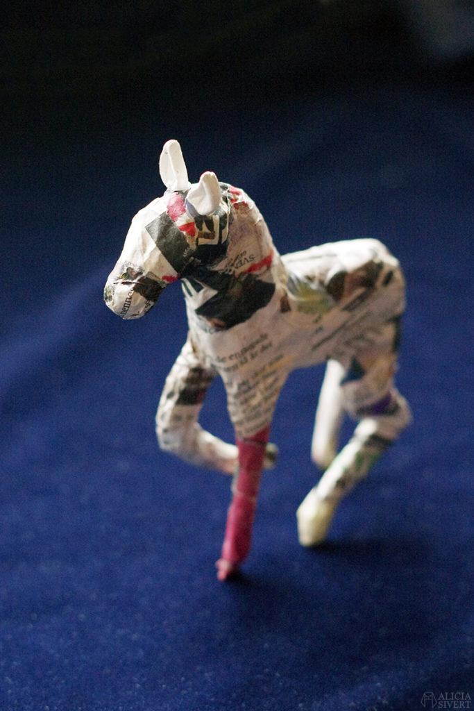 aliciasivert alicia sivert sivertsson papier mache pappersremsor tapetklister häst insekt bild och form