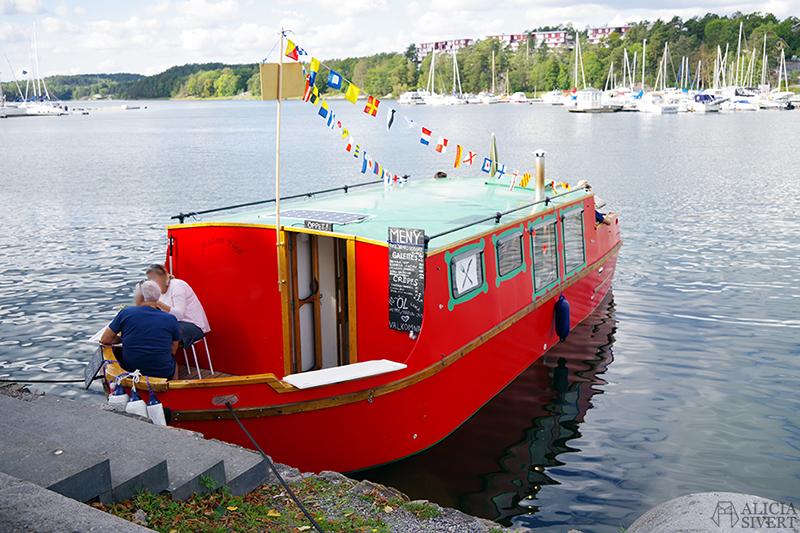 madam flod boat food boat creperie crepes gustavsberg stockholms skärgård värmdö aliciasivert.se