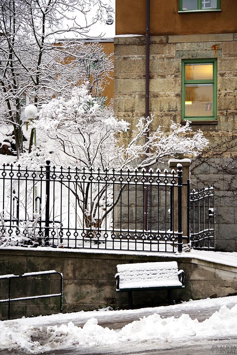 december snö stockholm jul parkbänk