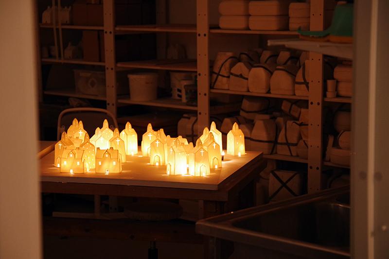 Ljuslyktor av Hisako Mizuno, Öppna Ateljéer i G-studion, gamla porslinsfabriken. Första advent i Gustavsberg. Foto av Alicia Sivertsson - aliciasivert.se