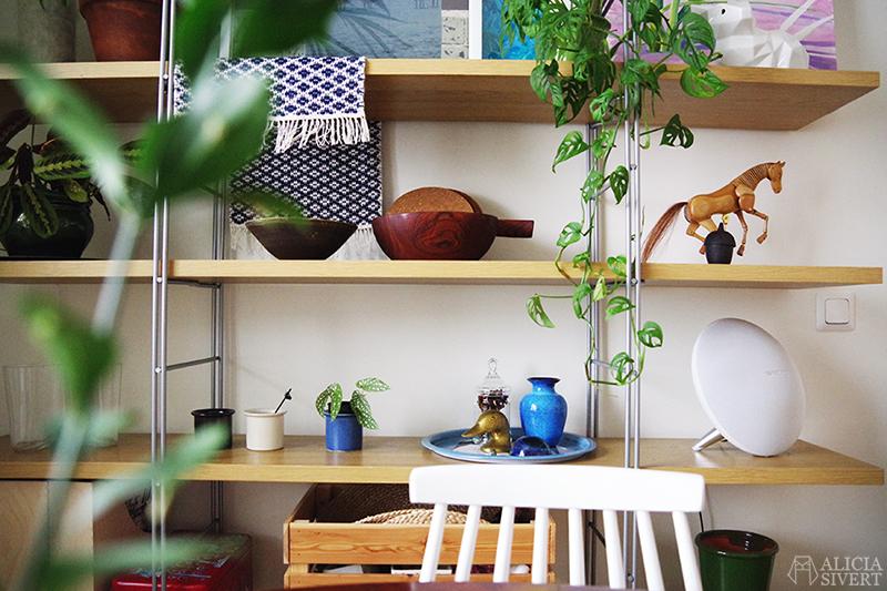 Rensa ut hemma - kökshylla. Foto av Alicia Sivertsson - www.aliciasivert.se