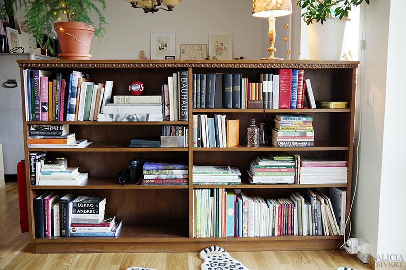 KonMari böcker - www.aliciasivert.se // tokimeku Konmari-metoden rensa hemma organisera bokhylla bokhyllan före efter