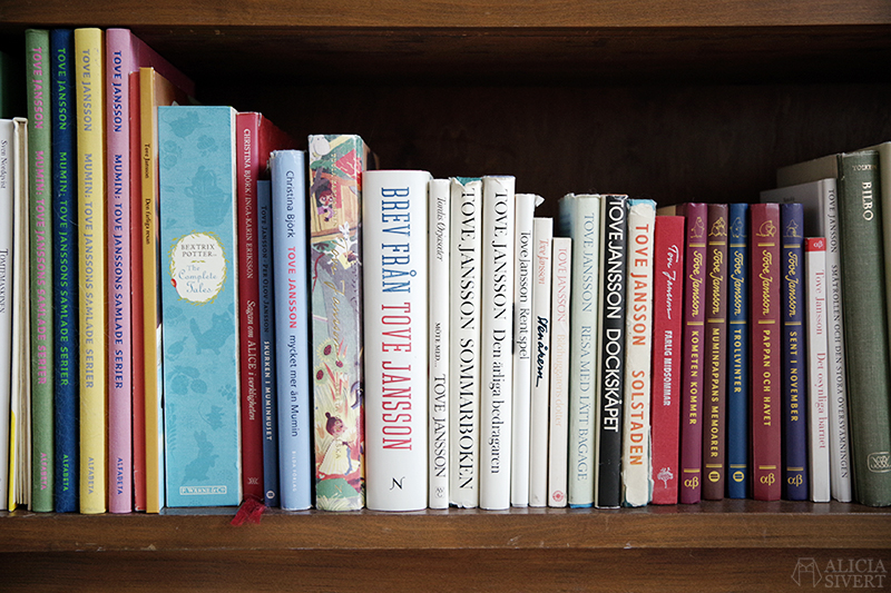 KonMari böcker - www.aliciasivert.se // Tove Jansson, tokimeku Konmari-metoden rensa hemma organisera bokhylla bokhyllan
