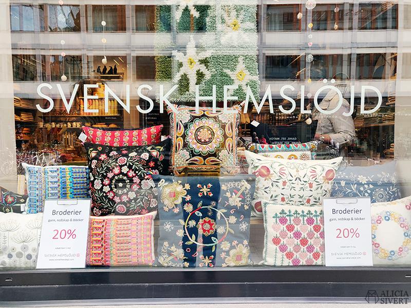 Staycation Stockholm - www.aliciasivert.se // svensk hemslöjd butik skyltfönster