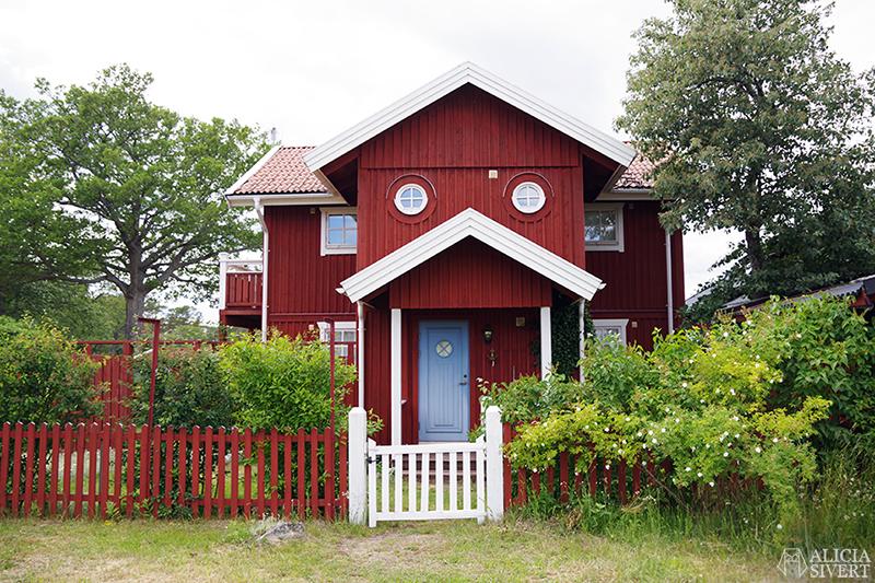 Hus med runda fönster, en sommardag på Sandön - www.aliciasivert.se