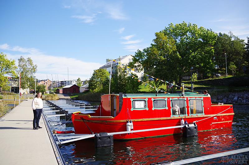 Madam Flod Boat, crêperie-båt i Gustavsberg - www.aliciasivert.se