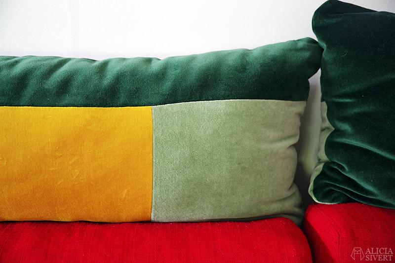 Sammetskuddar inspirerade av Finn Juhl, av Alicia Sivertsson - www.aliciasivert.se // sy egna kuddar kudde sömnad sammet sammetskudde diy soffkudde soffkuddar nackkudde nackkuddar soffa hem inredning