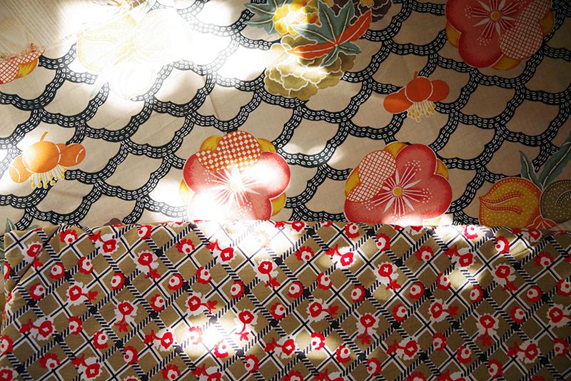 Beigemönstrat bomullstyg. Mormors tyger - www.aliciasivert.se