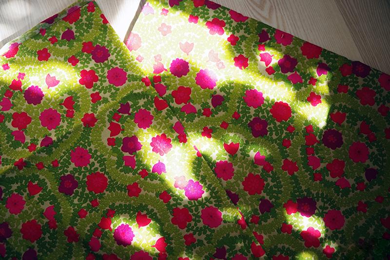 Retrotyg i rosa, magenta och limegrönt. Mormors tyger - www.aliciasivert.se