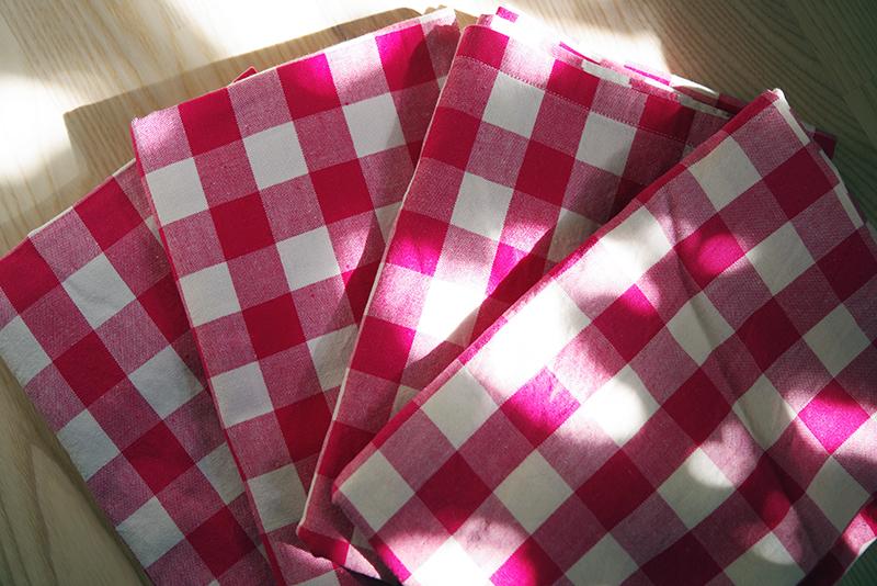 Rosarutigt bomullstyg. Mormors tyger - www.aliciasivert.se