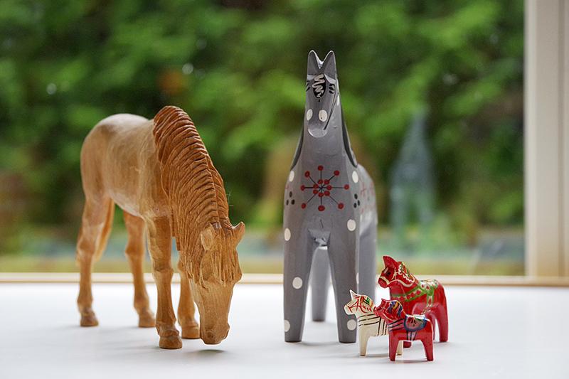 Mina trähästar, samling av hästar i trä. Ivan Fisk Rättvikshästen John Gudmunds dalahästar