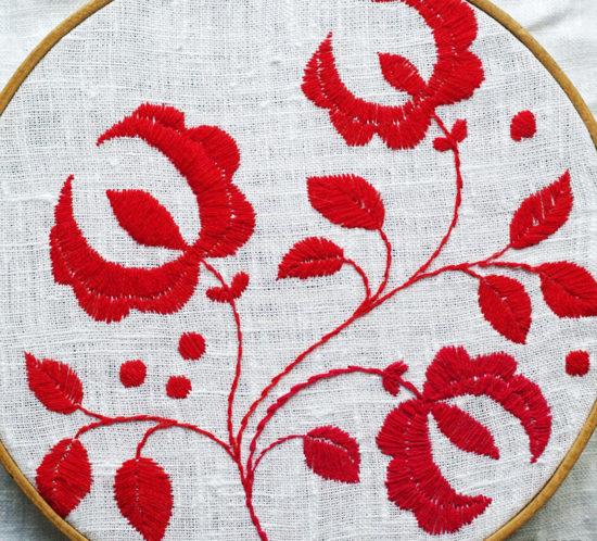 Delsbosöm, broderi av Alicia Sivertsson. Embroidery by Alicia Sivertsson.